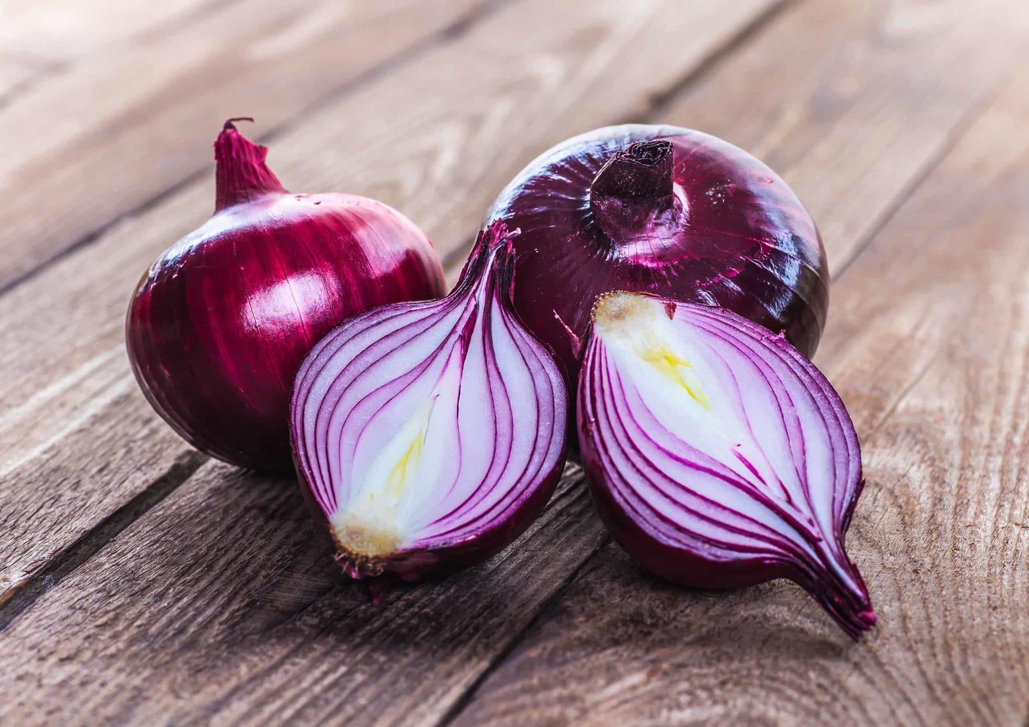 Фиолетовый лук со сладким, острым и умеренно-острым вкусом и его разновидности